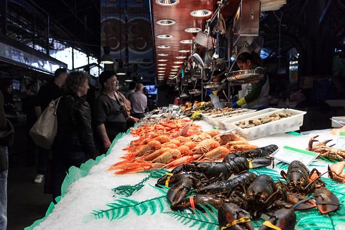Морепродукты на рынке Бокерия